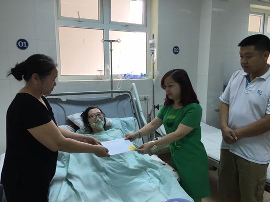 Câu chuyện cảm động của mẹ con chị Tr. nhận được sự quan tâm và đóng góp của nhiều người tốt bụng.