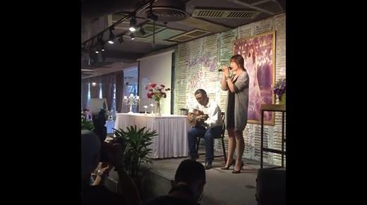 Trấn Thành bất ngờ xuất hiện, tiếp lời Hari Won hát