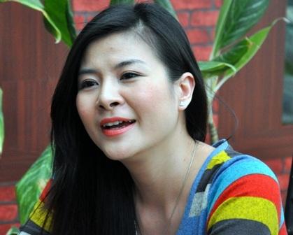 Năm 2006, cô kết hôn và nói lời tạm biệt showbiz để chăm lo cho gia đình. Tuy nhiên, Kim Oanh đã li dị ngay sau đó bởi cuộc hôn nhân không hạnh phúc. - Tin sao Viet - Tin tuc sao Viet - Scandal sao Viet - Tin tuc cua Sao - Tin cua Sao