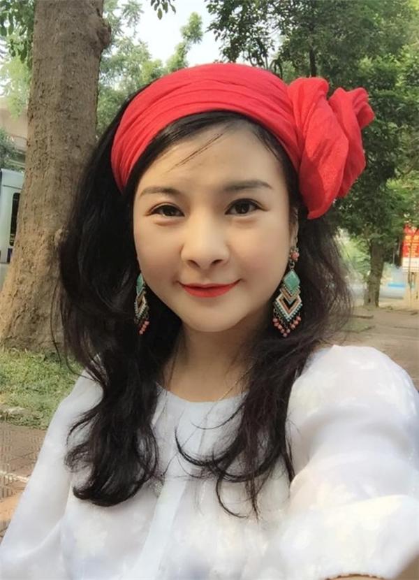 Năm 2013, vở diễn do chị dàn dựng ở Ban Văn nghệ Đài Truyền hình Việt Nam nhận được giải thưởng Liên hoan truyền hình toàn quốc. - Tin sao Viet - Tin tuc sao Viet - Scandal sao Viet - Tin tuc cua Sao - Tin cua Sao