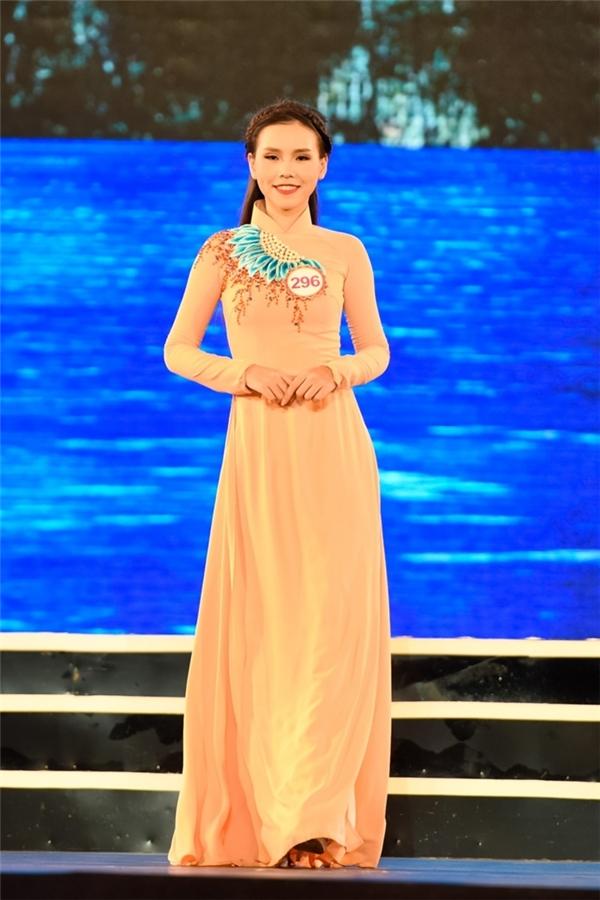 296 - Trịnh PHương Trang - Hà Nội