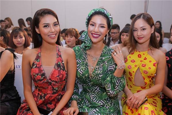 Cùng tham gia sự kiện này với Lan Khuê còn có Giải vàng Siêu mẫu Việt Nam 2015 Khả Trang, Hoa hậu Đàm Lưu Ly, diễn viên Lan Phương…