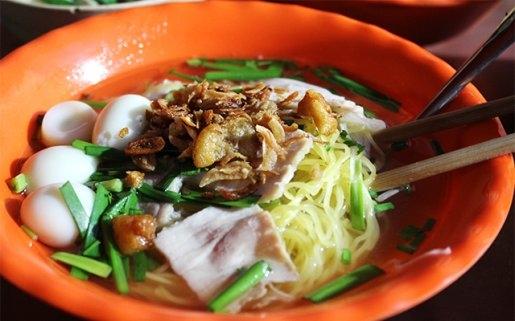 Hủ tíu gõ không chỉ là một món ăn bình dân mà còn là nét văn hóa ẩm thực độc đáo của người Sài Gòn.
