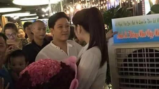 Những màn cầu hôn lãng mạn không thua kém Trường Giang, Trấn Thành