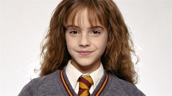 Bác sĩ riêng của MJ tiết lộ rằng ông đã từng thầm yêu và có ý định muốn cưới Emma Watson.