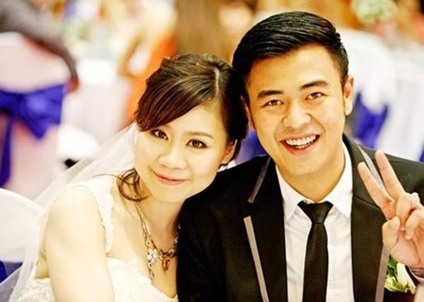 Cặp đôi hạnh phúc trong lễ cưới.
