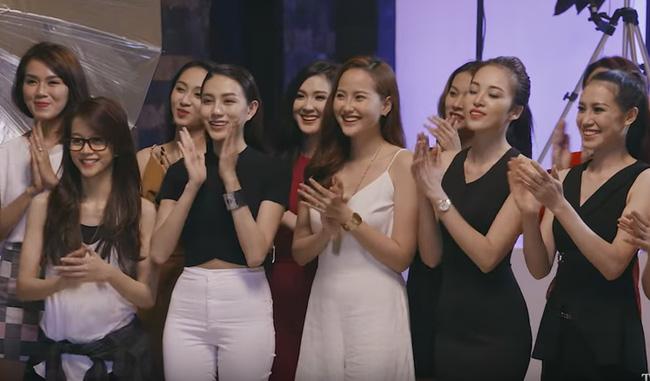Một vài thông tin cho rằng cô gái này cao khoảng 1m68. Tuy nhiên, so với Linh Châu (1m69), An Nguy vẫn thấp hơn khá nhiều.