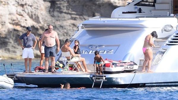 Du thuyền của Ronaldo và gia đình. (Ảnh: internet)