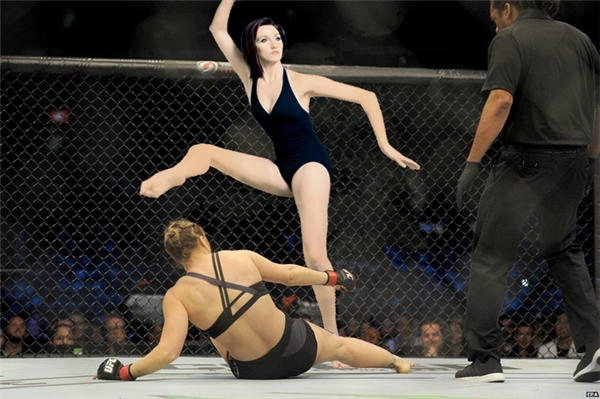 Hạ knock out đối thủ là phải vênh như thế này nè.