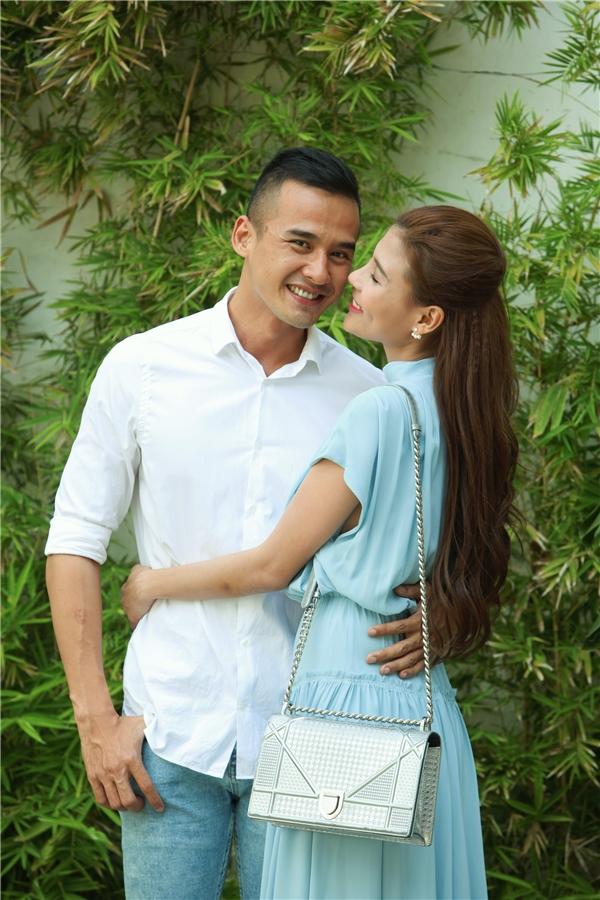 Hình ảnh đầy tình cảm của cặp đôi khiến không ít người ganh tị và ngưỡng mộ.
