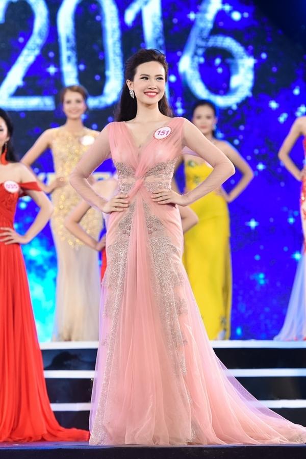 Sái Thị Hương Ly SBD 151 -Top 20 Miss Teen Vietnam 2012, Chung kết Miss Ngôi sao 2013.