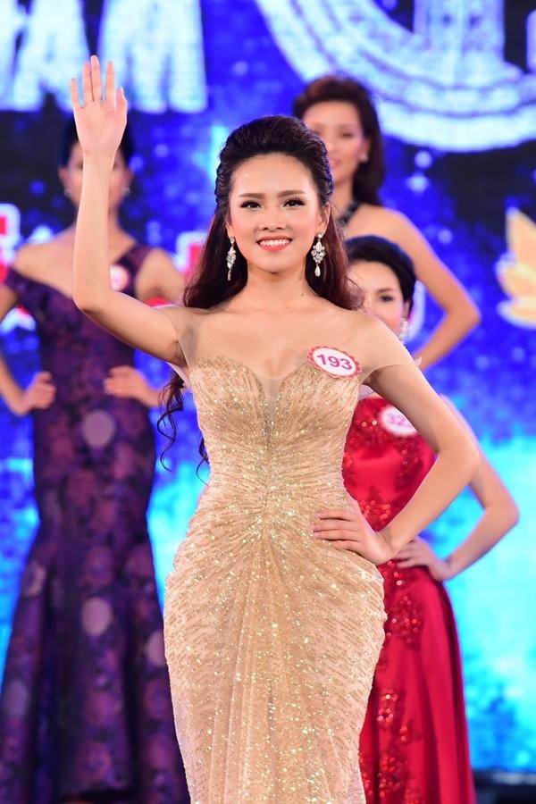 Trần Tố NhưSBD 193 -Hoa khôi Thanh niên Thanh lịch và Thời trang Thái Nguyên 2012.