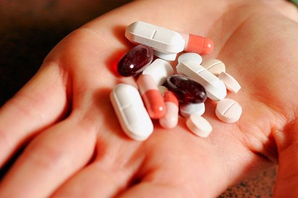 Thuốc giảm đau có thể làm bạn bị chóng mặt. (Ảnh: internet)