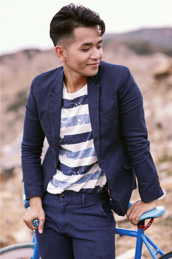 Được biết, Phạm Hồng Phước đã mất hơn 3 tháng để sáng tác, thu âm ca khúc này để dành tặng người yêu nhạc. Anh sẽ tiếp tục phát hành MVvới những cảnh quay đẹp vào cuối tháng 7/2016 như một món quà sau nhiều tháng tập trung cho các dự án âm nhạc.