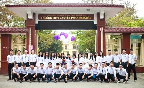 Lớp 12 A1, trường THPT chuyên Phan Bội Châu (Nghệ An) xuất hiện nhiều thủ khoa, á khoa.
