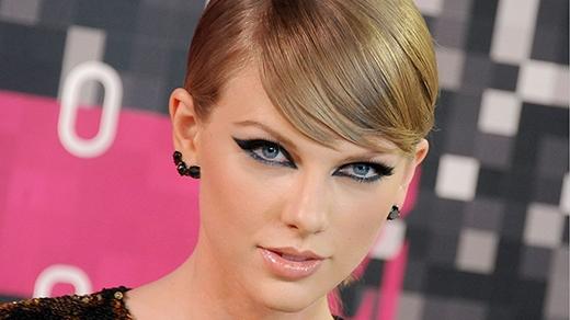 Hiện tại, sự nghiệp của Taylor bị lung lay một cách nghiêm trọng.