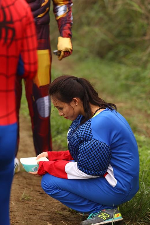 Vẻ mặt buồn bã của nàng CaptainVân Quỳnhkhi không đạt được ước muốn.