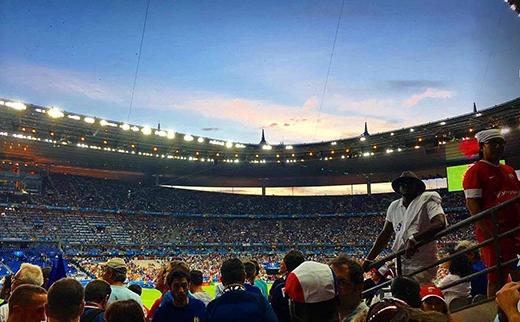 Còn đây là ảnh Eiza chụp khi đến xem trận chung kết Euro 2016 vừa rồi.