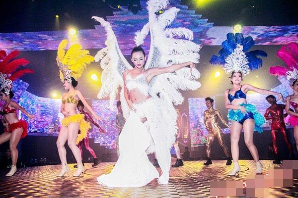 Nhìn lại những hình ảnh trong quá khứ của Mai Ngô với vai trò vũ công tham gia các tiết mục trình diễn, khán giả sẽ không khỏi bất ngờ với những nét cá tính mạnh mẽ hiện tại.