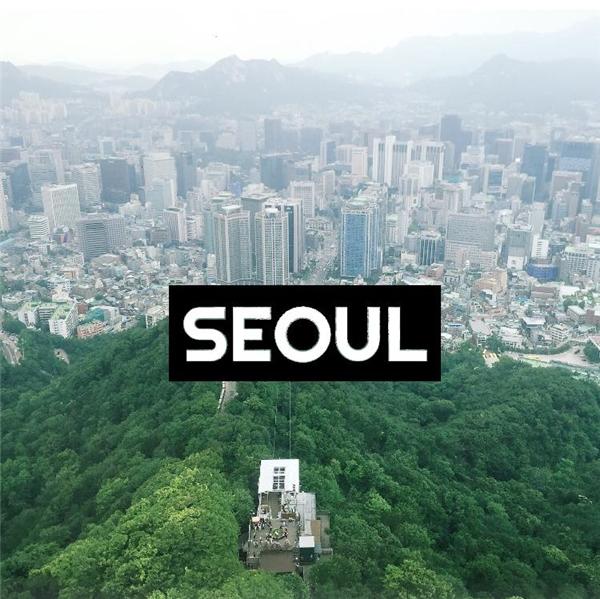 Seoul nổi tiếng với những trung tâm mua sắm rất sầm uất. (Ảnh: Tạ Xuân Hương)