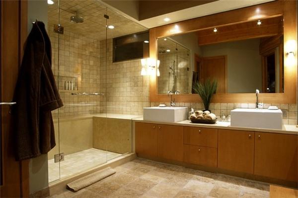 Phòng tắm trong suốt kiểu này là một trong những cách tối ưu không gian phòng ốc. Ảnh minh họa.