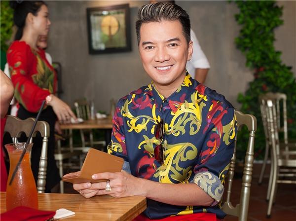 Được biết, nam ca sĩ sắp ra mắt MV Tan Vỡ và chuẩn bị thực hiện liveshow vào tháng 10 năm nay. - Tin sao Viet - Tin tuc sao Viet - Scandal sao Viet - Tin tuc cua Sao - Tin cua Sao
