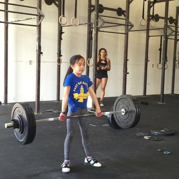 Cô bé dành 23 tiếng 1 tuần để tập luyện.