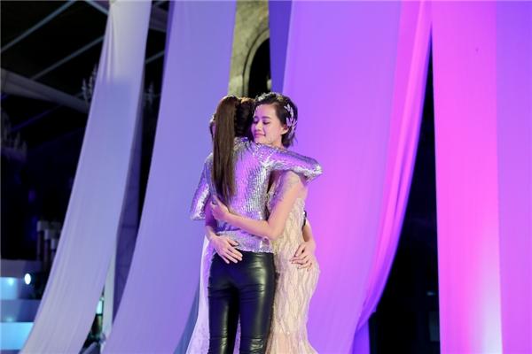 Phạm Hương lần thứ ba loại thí sinh của Lan Khuê.