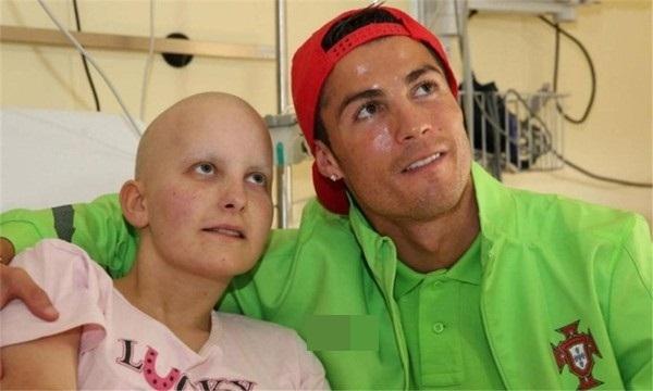 Sụt sùi khi biết lí do Cristiano Ronaldo không xăm mình