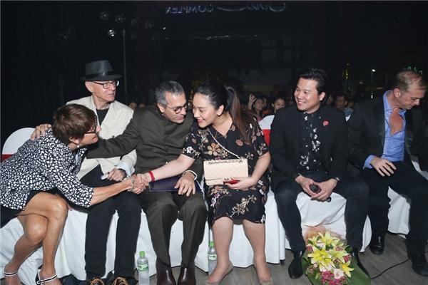 Nhiều người chúc mừng tin vui của hai vợ chồng Thanh Bùi. - Tin sao Viet - Tin tuc sao Viet - Scandal sao Viet - Tin tuc cua Sao - Tin cua Sao