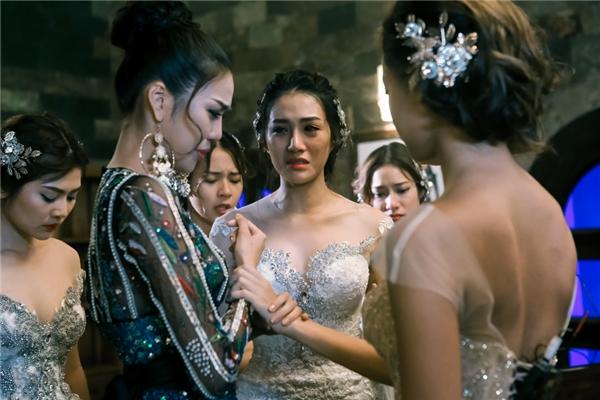 Những giọt nước mắt ám ảnh khán giả của Lan Khuê.