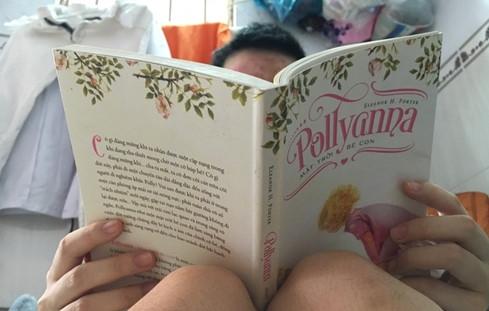 """Thu Hương """"làm bạn"""" với sách để nuôi dưỡng nghị lực sống."""