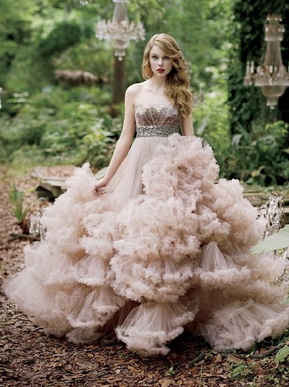 Taylor trở thành hình mẫu của giới trẻ.