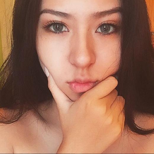 Cô nàng Sài Gòn cứ xuống phố là bị nhầm thành gái Tây vì quá sexy