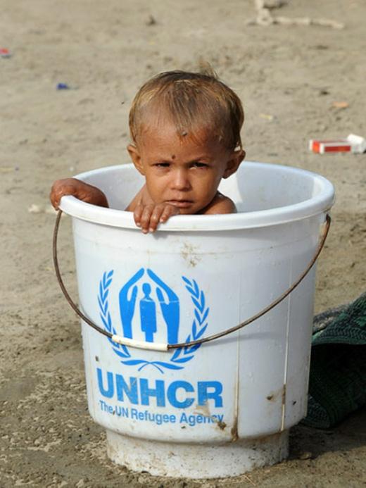Nước lũ đã bắt đầu rút hết song thách thức cho việc cung cấp viện trợ khẩn cấp cho 8 triệu người vẫn còn.