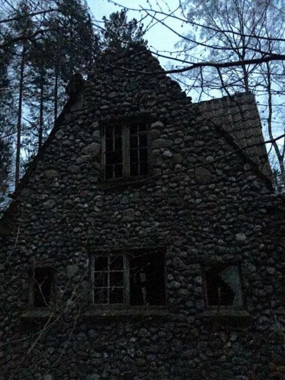 Ngôi nhà được xây dựng từ thế kỉ trước.