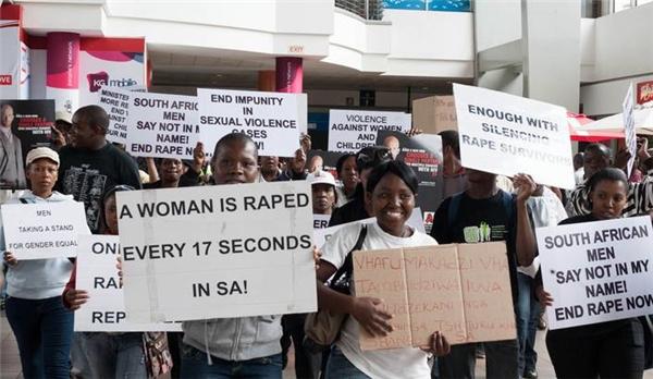 Nam Phi có tỉ lệ xâm hại tình d.ụccao nhất thế giới với tổng cộng500.000 vụ mỗi năm.