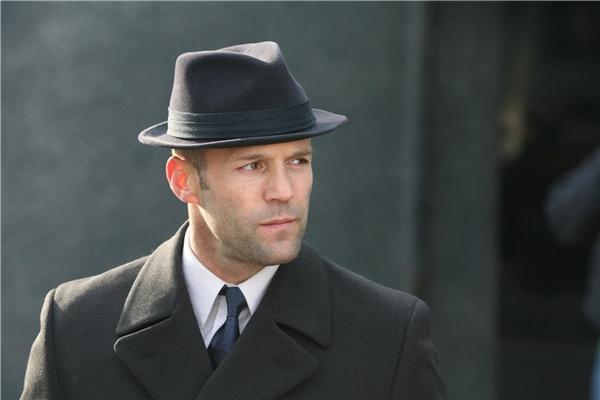 Jason Stathamđược mệnh danh là ông hoàng phim hành động.