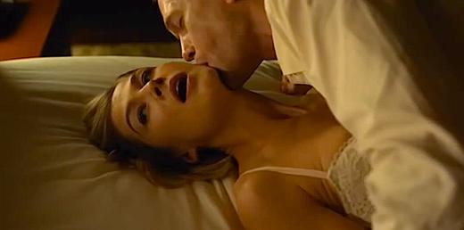 Máy quay đã phải chọn góc khuất để đảm bảo riêng tư cho cả hai diễn viên trong Gone Girl.