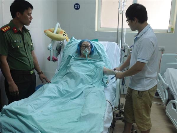 Sức khỏe yếu dần đi nhưng chị không muốn áp dụng các biện pháp điều trị vì sợ ảnh hưởng đến con.