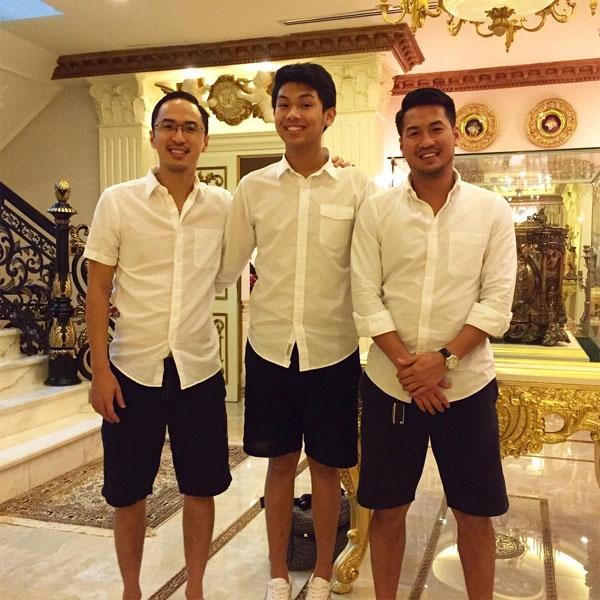Thậm chí, cậu út nhà chồng Hà Tăng còn có chiều cao nổi trội hơn hai anh trai là Louis Nguyễn và Phillip Nguyễn. - Tin sao Viet - Tin tuc sao Viet - Scandal sao Viet - Tin tuc cua Sao - Tin cua Sao