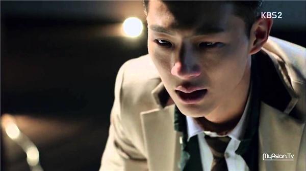 Seo Ha Jooncó nội tâm tổn thương và có khoảng cách với bạn bè. (Ảnh: Internet)