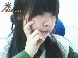 Đến nay, Minah (Girl's Day) vẫn giữ nguyên vẻ xinh đẹp ngày xưa. Tuy nhiên, cô nàng nhận về khá nhiều chỉ trích cho gương mặt mộc không trang điểm.