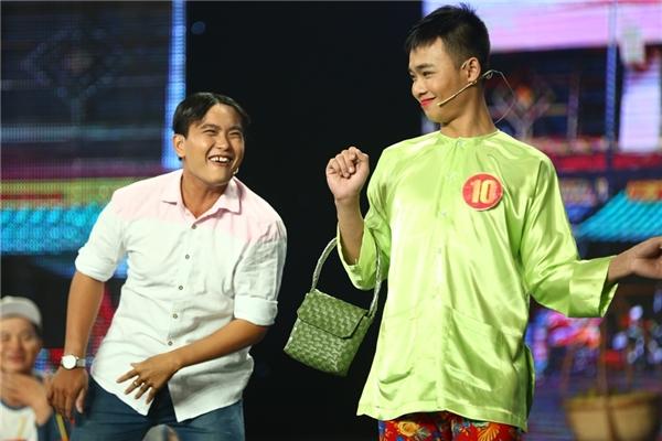 Top 4 Cười Xuyên Việt hào hứng tái hiện hình ảnh Thành Lộc, Hoài Linh