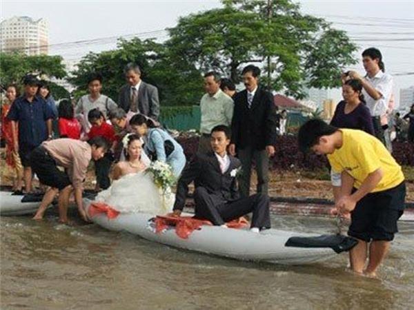 Chỉ cần gia đình có điều kiện, hãy rước dâu hiện đại theo cách riêng của mình.