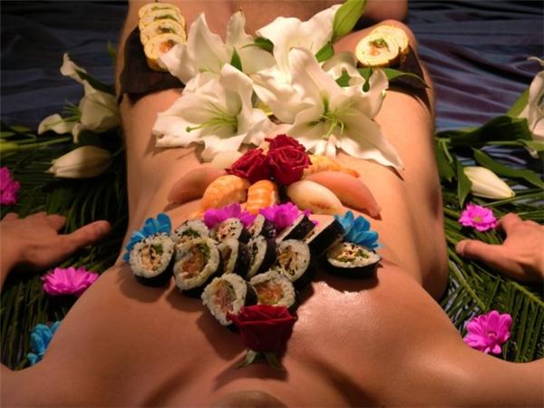 Ngoài vệ sinh thân thể sạch sẽ, người mẫu nam còn phải học cách kiên nhẫn và chịu đựng.