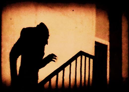 Những bộ phim ma cà rồng ám ảnh nhất mọi thời đại