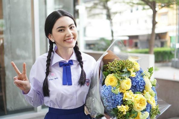 Mai là sinh viên chuyên ngành kinh tế của đại học học Bangkok.