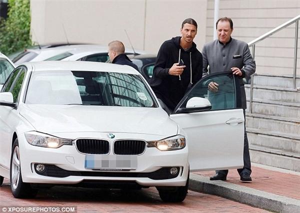 Hôm 25/7, Ibrahimovic lần đầu đến thành phố Manchester để chuẩn bị hội quân cùng các đồng đội mới.