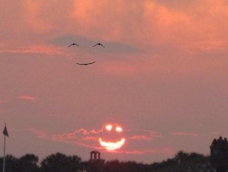 Anh cười, tui cười, cả nhà cùng cười.(Ảnh: Internet)